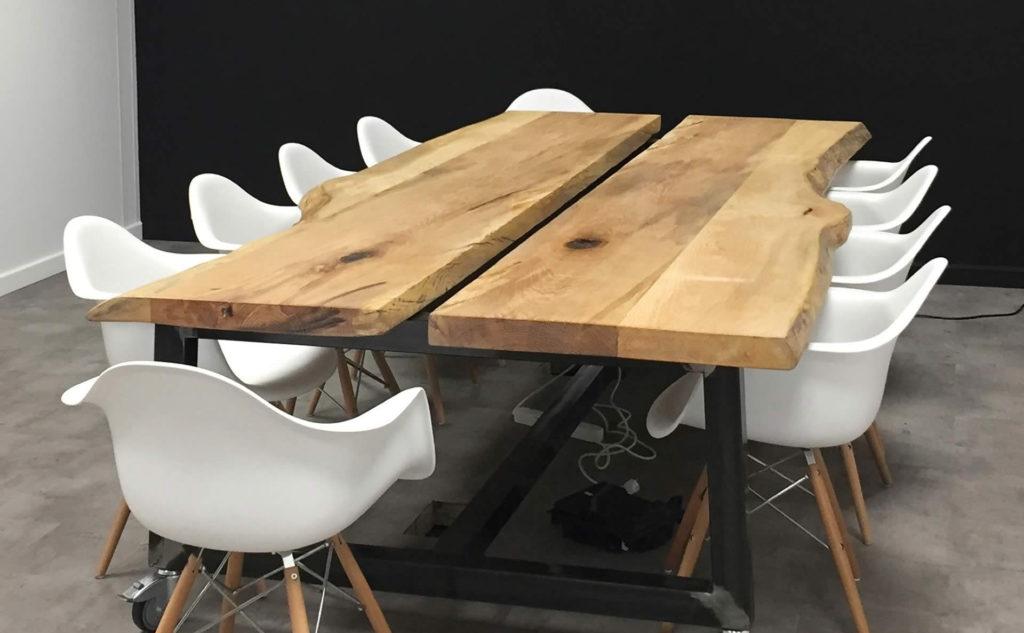 Table de conférence sur mesure en bois massif - Salvateur