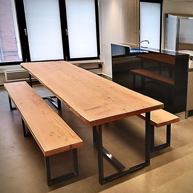 table et bancs bois massif sur-mesure Salvateur