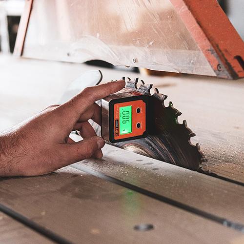 machine de découpe du bois grand format - Salvateur