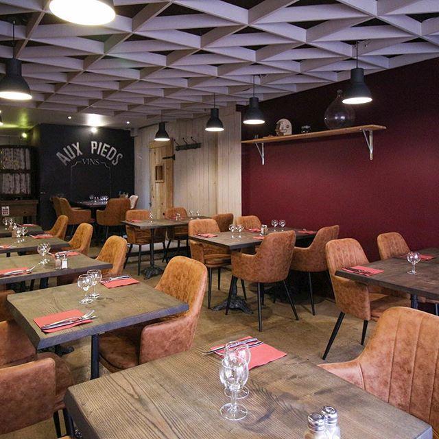 table-bois-sur-mesure-restaurant-Salvateur