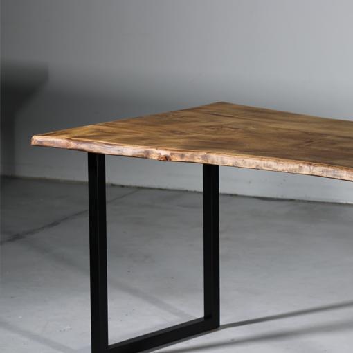 essence-bois-table-sur-mesure-live-edge-Salvateur-chataignier-noir-blanc-2