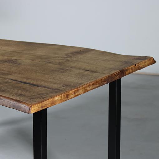 essence-bois-table-sur-mesure-live-edge-Salvateur-chataignier-noir-blanc-5