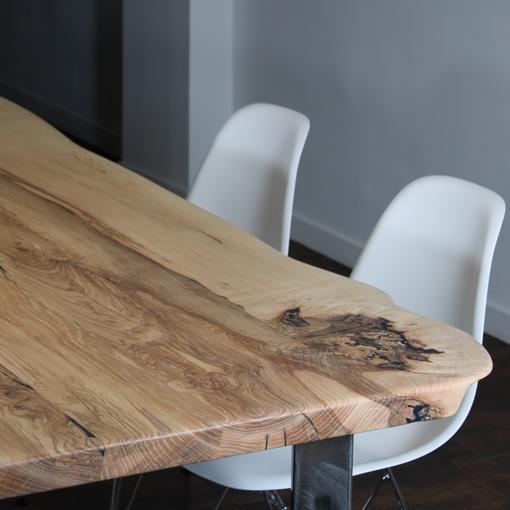 essence-de-bois-table-sur-mesure-live-edge-Salvateur-frêne-loupe-2