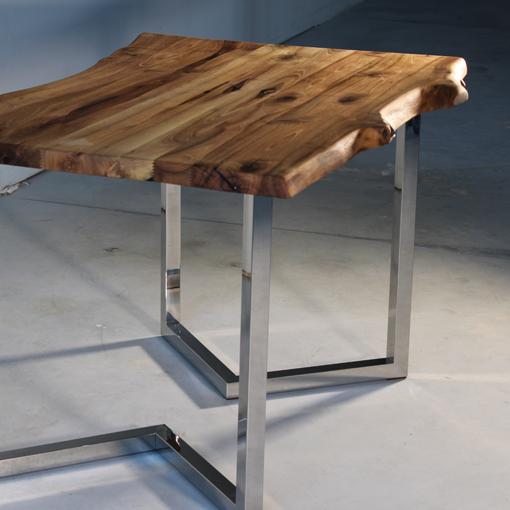 essence-de-bois-table-sur-mesure-live-edge-Salvateur-noyer-3