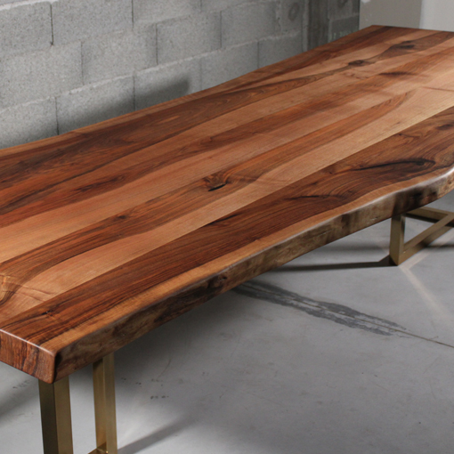 essence-de-bois-table-sur-mesure-live-edge-Salvateur-noyer-5