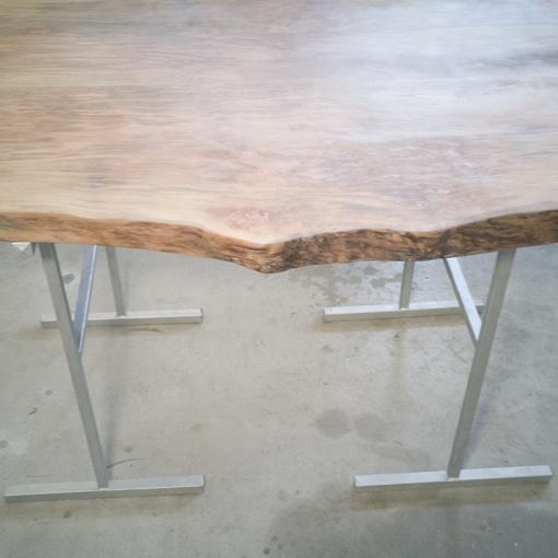 essence-de-bois-table-sur-mesure-live-edge-Salvateur-platane-4