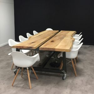 grande table en bois massif design pour bureaux entreprise et commerce - Salvateur