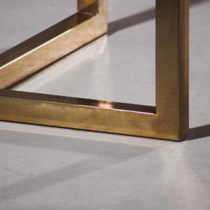 pietement-metal-table-sur-mesure-personnalisable-Salvateur