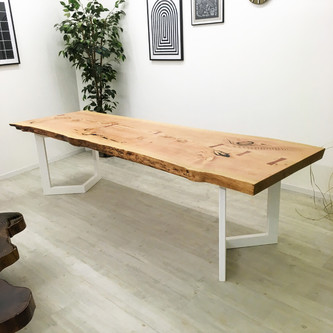 Table en bois un seul morceau essence Douglas - Salvateur